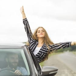 couple-road-trip