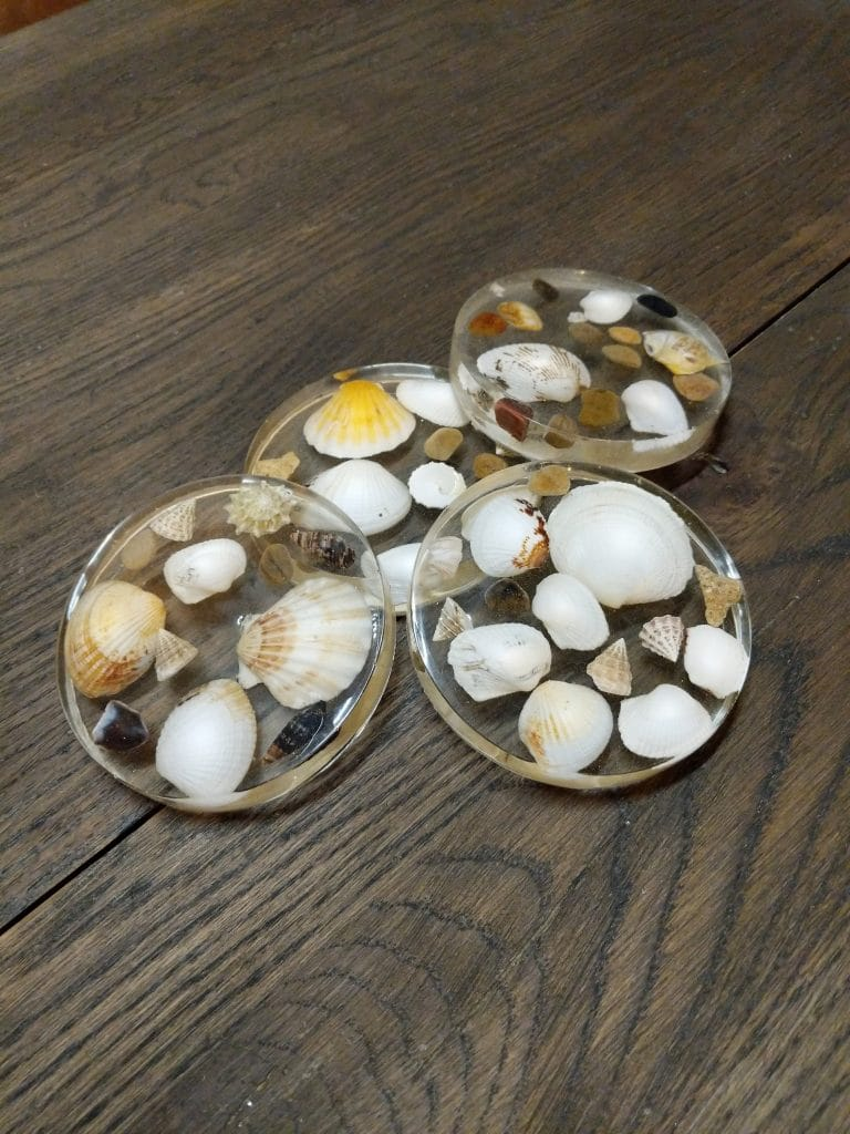 seashell coasters DIY